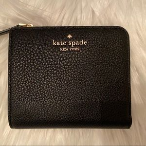 Kate Spade L-zip bifold wallet